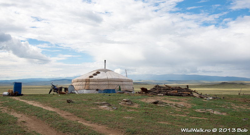 camping near Mongolian family, after Baruunturuun village