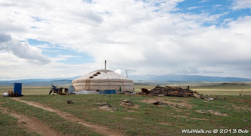 camping near Mongolian family, after Baruunturuun village
