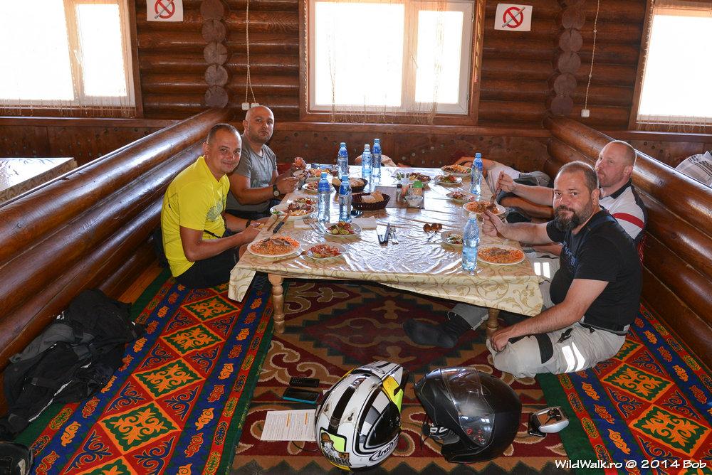 Pauza de masa in Kyrgyzstan