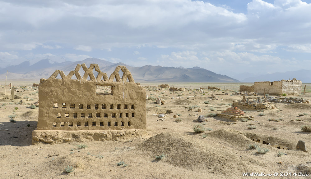 Cimitir la 4000 m, aproape de Karakol, Tajikistan