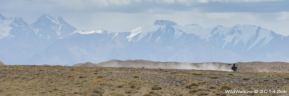 Munti cu zapada pe Valea Bartang, Tajikistan