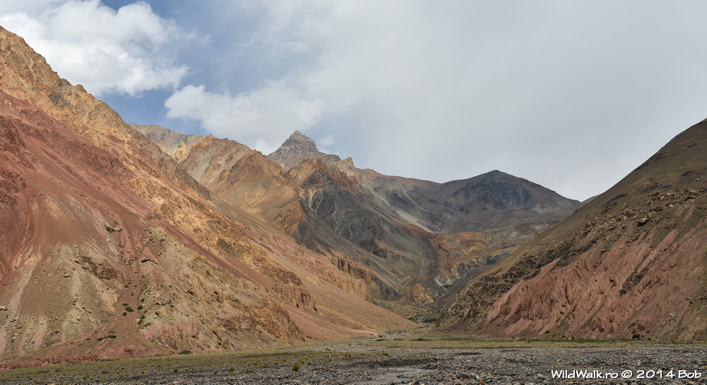 Munti pe Valea Bartang, Tajikistan