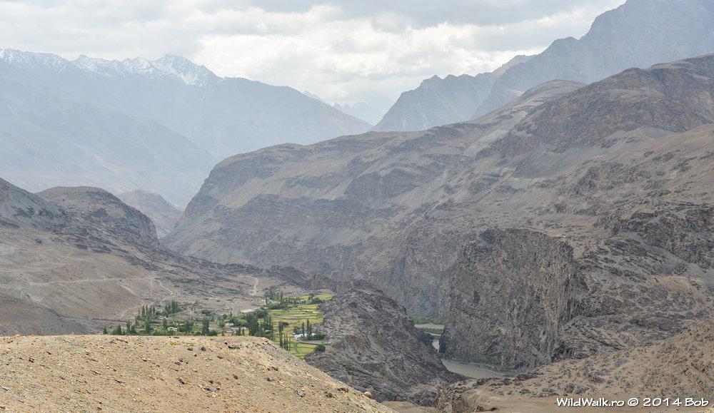 Satul Savnov, Valea Bartang, Tajikistan