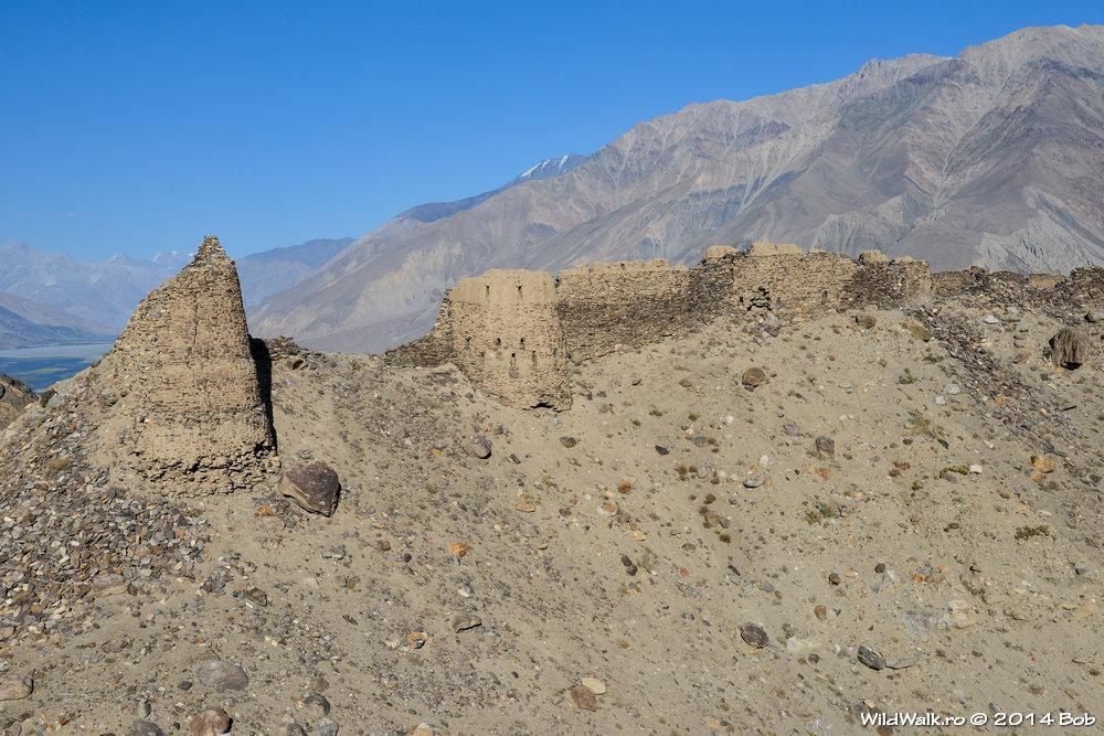 Fortareata de la Yamchun, pe drumul spre Bibi Fatima, Tajikistan