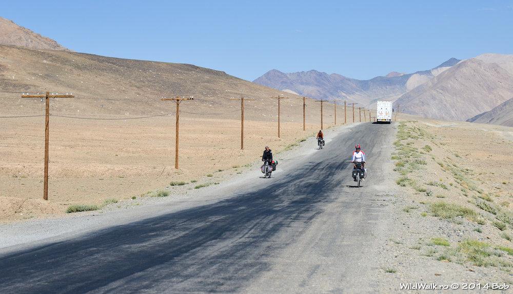 Biciclisti pe M41, Tajikistan