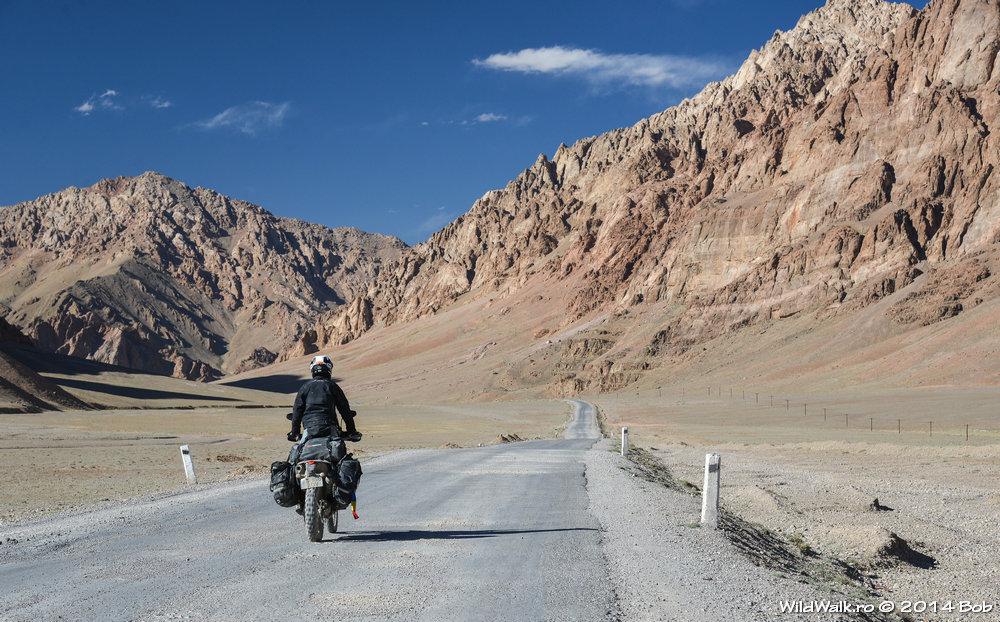 Cu motocicleta pe M41, Tajikistan