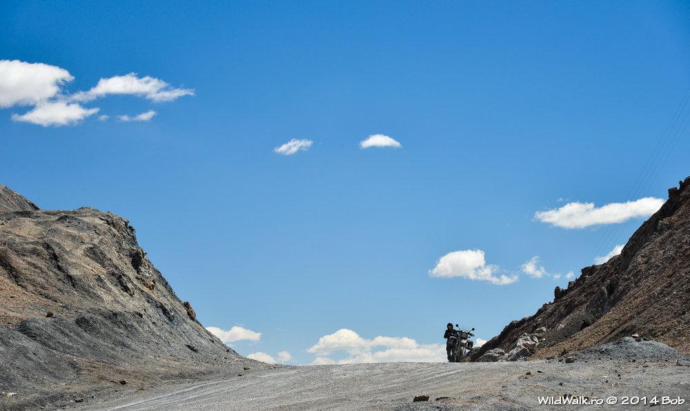 In pasul Ak-Baital, 4655 m, Tajikistan