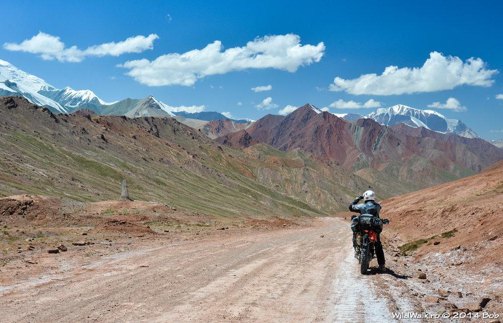 Cu motocicleta in Tajikistan