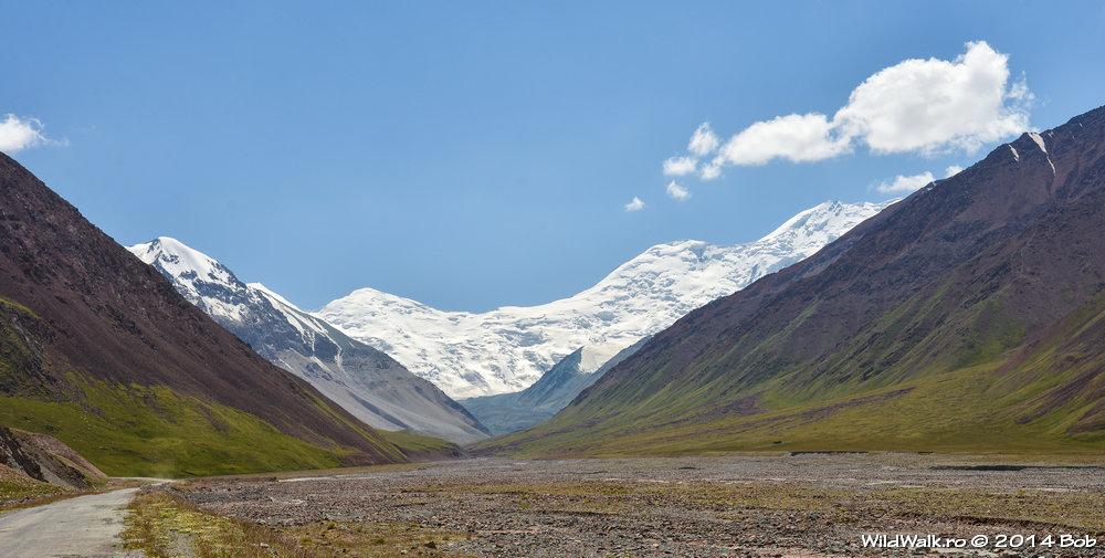 Vedere din Kyrgyzstan spre Tajikistan